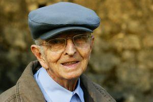 happy-oldman-1-1194225-m