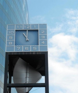 future-clock-1400756-m